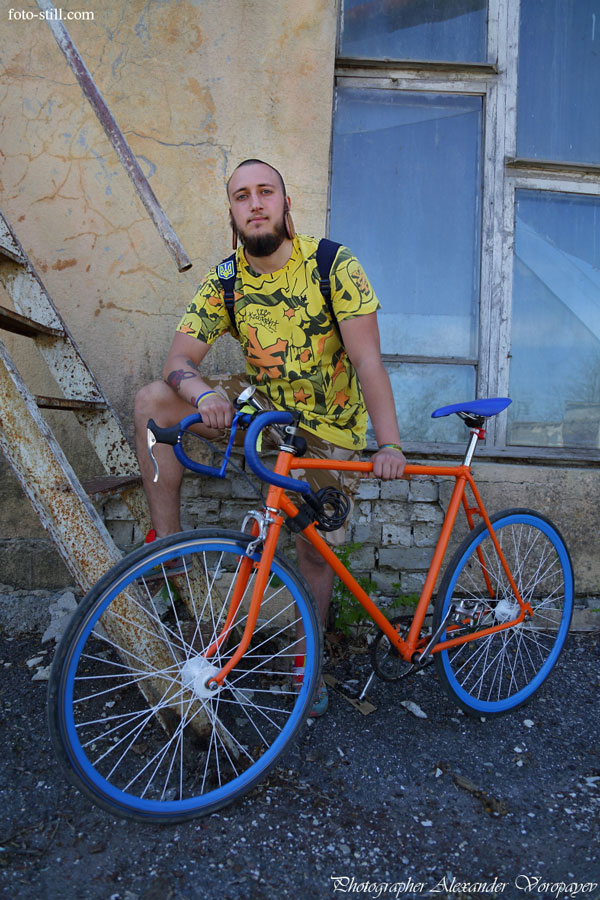 Bicyclist | Photographer Alexander Voropayev