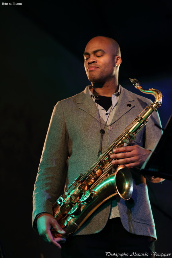 Wayne Escoffery, jazz, music, jazz musiciants, new york, sax, play, concert, show, Ark Ovrutski, pic, pictures, photo, photography, photographer, foto, alexander voropayev, alexander voropaev, odessa, ukraine, music photo, jazz photo, jazzman, black, Уэйн Ескоффери, Аркадий Оврутский, Джаз ин Киев, Jazz in Kiev, концерт, выступление, шой, музыкант, музыканты, из нью йорка, одесса, играют, украина, фото, фоторепораж, report, одесса, украина, фотограф александр воропаев, фотограф, александр воропаев, фотографии музыкантов, цветные, color