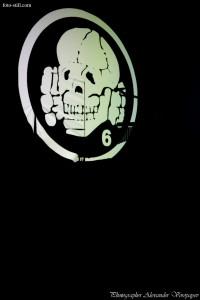 Death in June, Douglas Pearce, Miro Snejdr, music, pic, pics, pictures, photo, photography, foto, musician, musician's, odessa, ukraine, photographer, alexander voropayev, alexander voropaev, color, stage, light, guitar, flag, skull & bones, дэс ин джун, дуглас пирс, даглас пирс, концерт, одесса, фото, фоторепортаж, фото музыкантов, сцена, гитара, череп и кости, мертвая голова, маска, фотограф, александр воропаев
