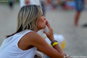 Koktebel Jazz Festival, Джаз Коктебель 2016, красивая девушка курит